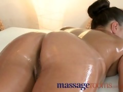 massage rooms miniature brunette receives her