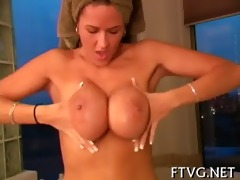 slut masturbating well