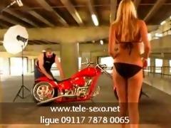 motorcycle likes blond www.tele-sexo.net 09117
